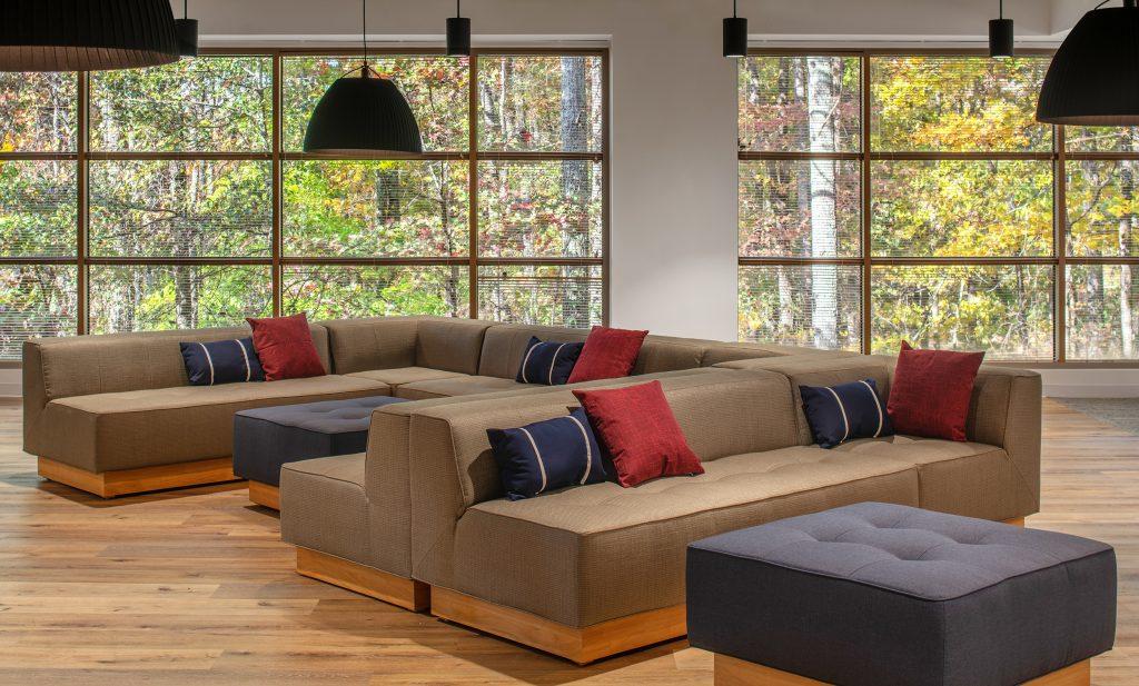 Verizon-Alpharetta---Phase-Two---Break-sofa-scene